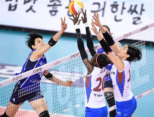 IBK기업은행-한국도로공사 경기 모습 (2018.12.25)