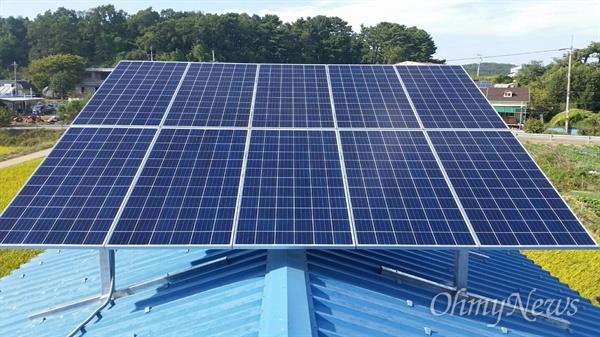 '원도심 에너지자립마을 조성사업'은 산업통상자원부의 '신재생에너지 융복합지원사업'을 이용해 원도심에 태양광 등의 신재생에너지 발전시설을 설치할 때 재정 지원을 통해 주민들의 부담을 줄여줘 마을단위의 에너지자립을 실현해나가는 사업이다.