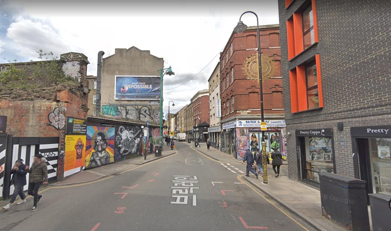 런던 이스트엔드의 브릭레인 거리 옛 도심 재생 사업의 성공적 사례인 런던의 이스트엔드의 거리