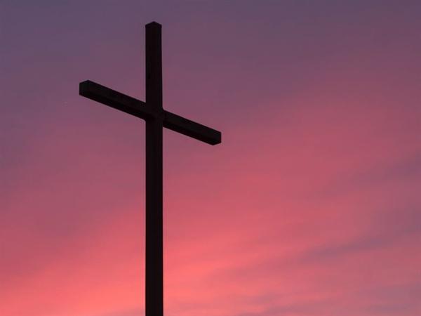 """""""교회를 믿어야겠다!"""" 엄마는 그 어느 때보다도 결의에 차 있었다. 말도 안 맞는 저 한마디를 굳건하게 내뱉은 엄마는 과연 무슨 생각이셨을까."""