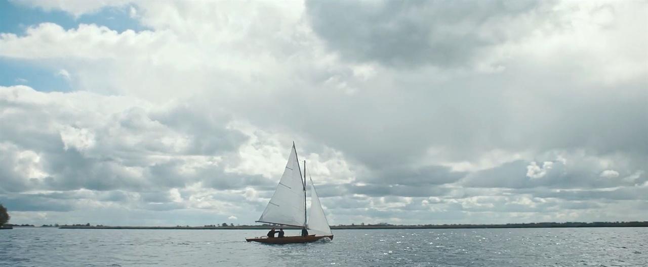 〈사진141〉 네덜란드 영화 〈레지스탕스 뱅커〉(2018, 요람 뤼르센 감독)의 한 장면.