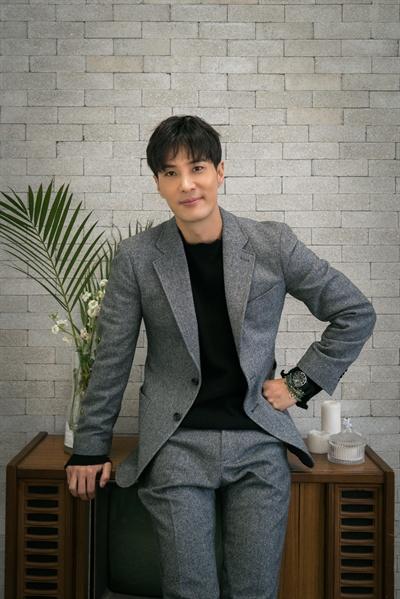 배우 김지석 tvN <톱스타 유백이> 종영 인터뷰 제공 사진.