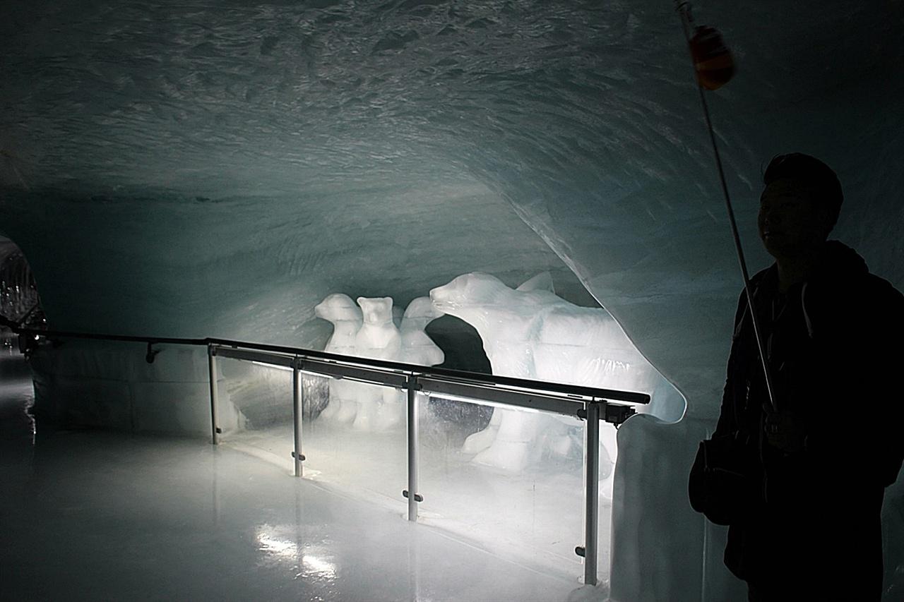 융프라우요흐 정상에 있는 얼음궁전 내부 모습