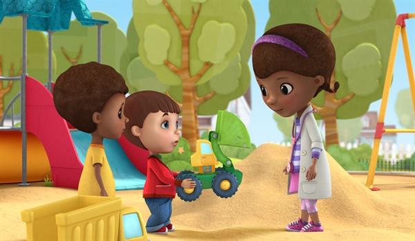 최근 아들이 디즈니 애니메이션 <꼬마의사 맥스터핀스>에 푹 빠져서 한동안 역할놀이에 심취했다.