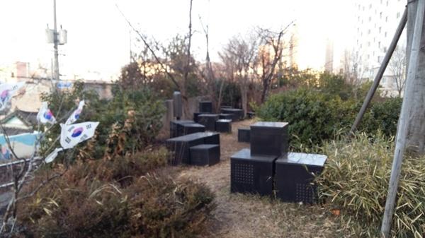 광주만세운동을 계획했던 남궁혁 장로의 집터. 민족 대표 33인의 묵비석이 놓여 있다. 공원으로 조성되어 있지만 낡은 태극기가 찬바람에 휘날리고 잡초가 무성하다