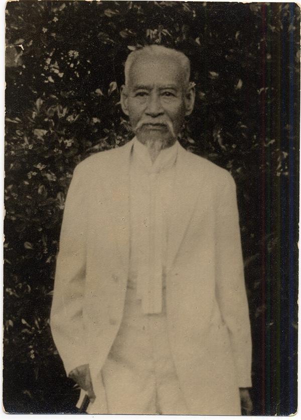 대동단 총재 김가진 상하이 망명 직후 찍은 사진으로 동농은 74세의 나이로 해외 독립투쟁에 나섰다.