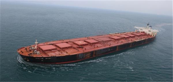 외교부가 지난 8일 남아프리카공화국에서 출항한 미국 '오션 인피니티'사의 심해수색 선박인 '씨베드 컨스트럭터'호가 14일 오전 11시(현지시간·한국시간 저녁 9시) 스텔라데이지호 사고 해역에 도착했다고 15일 밝혔다.  업체는 사고 해역 도착 이후 스텔라데이지호 선체를 발견하기 위해 자율무인잠수정(AUV, 총 4대 활용)을 투입해 수색을 개시했다고 외교부는 덧붙였다. 사진은 2017년 3월 31일 남대서양 해역에서 실종된 스텔라데이지호. 2019.2.15 [연합뉴스 자료사진]