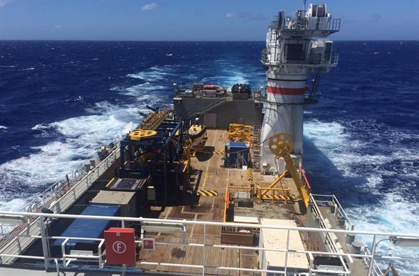 2년 전 남대서양에서 침몰한 스텔라데이지호의 흔적을 찾기 위해 지난 8일 남아프리카공화국에서 출항한 미국 '오션 인피니티'사의 심해수색 선박 '씨베드 컨스트럭터'호 모습. 선박은 14일 오전 11시(현지시간) 스텔라데이지호 사고 해역에 도착했다. 2019.2.15 [스텔라데이지호 가족대책위 제공]