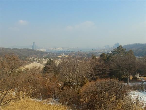 친일파 김백일의 묘에서 바라본 서울 전경.