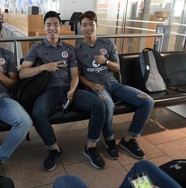 상파울리에서 뛰고 있는 이승원 이승원(사진 오른쪽)은 박이영으로부터 많은 도움을 받는다고 말했다.