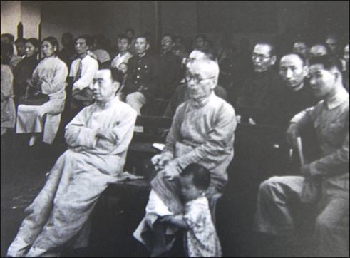 1943년 중경 임시정부 시절 김규식(왼쪽).