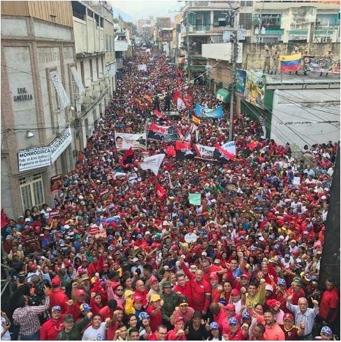 베네수엘라 정부 지지 시위  2019년 2월 27일 미란다 주 뻬따레에서 열린 정부 지지 시위