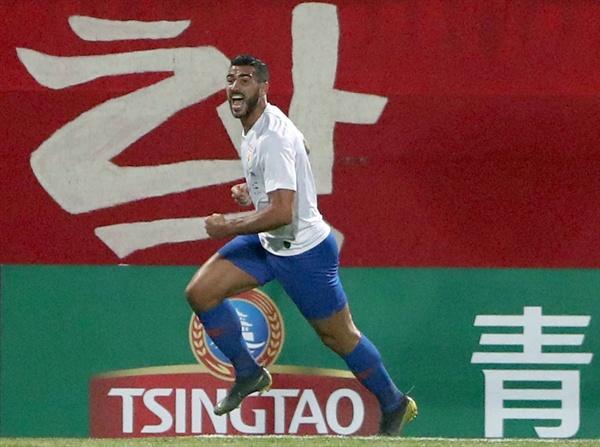 펠레 선제골 5일 경남 창원시 성산구 창원축구센터에서 열린 아시아축구연맹(AFC) 챔피언스리그(ACL) 조별리그 1차전 경남 FC와 산둥 루넝 타이산의 경기. 산둥의 그라치아노 펠레가 선제골을 넣은 후 기뻐하고 있다.