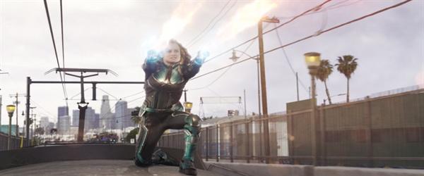 영화 < 캡틴 마블 >의 한 장면
