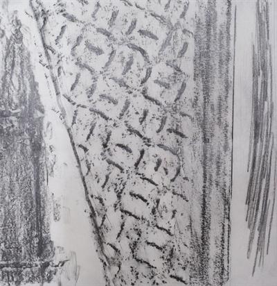 철계단의 양쪽 손잡이에서 느껴지는 한기를 담으려 한 탁본