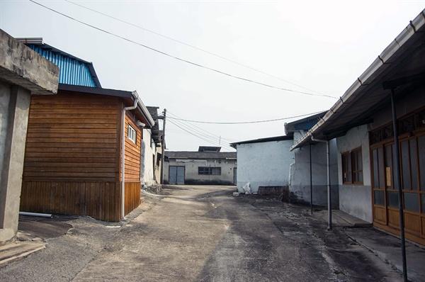 성광성냥공업사의 공장 부지는 모두 2300평이 이른다. 국내에 성냥 생산의 일괄공정 설비를 갖추고 있는 유일한 공장이다.