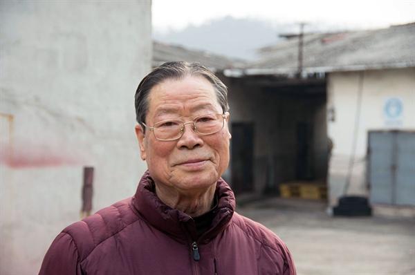 전 생애를 성냥공장에 바친 손진국 대표(83). 그는 열일곱 살에 공장에 들어와 일흔여덟 살까지 공장을 운영했다.