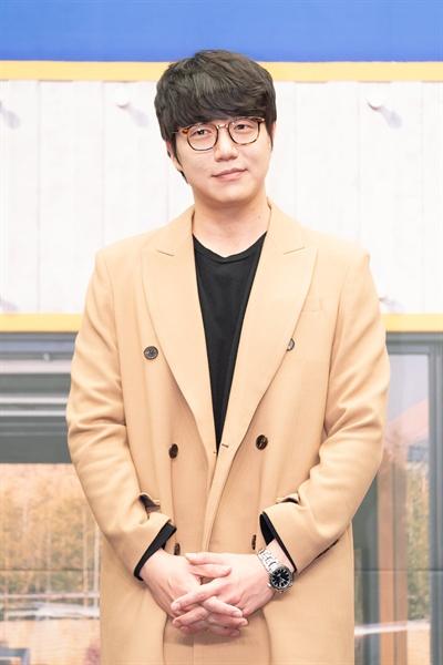 13일 서울 상암동에서 열린 tvN <쇼! 오디오자키> 제작발표회에 참석한 가수 성시경.