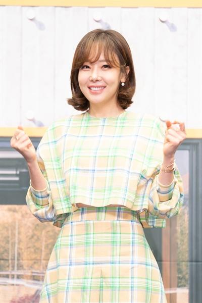 13일 서울 상암동에서 열린 tvN <쇼! 오디오자키> 제작발표회에 참석한 배우 소유진.