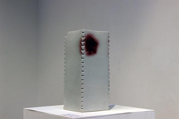 이용백(구양요) 백자 진사화병 180x320mm