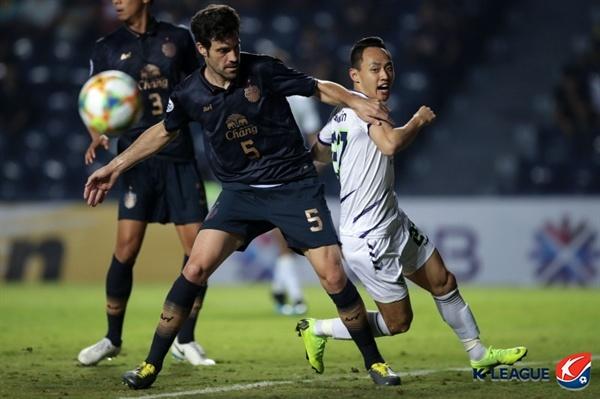 2019년 3월 13일 태국 부리람 스타디움에서 열린 AFC 챔피언스리그 G조 조별예선 2차전 부리람 유나이티드와 전북 현대의 경기. 전북 문선민 선수(오른쪽)의 모습.