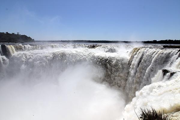 아르헨티나 이구아수폭포 가운데 가장 유명한 '악마의 목구멍' 모습