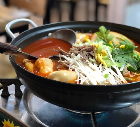 육개장 만두전골 눈 내린 춘천에서 몸을 따뜻하게 녹여 줄 점심