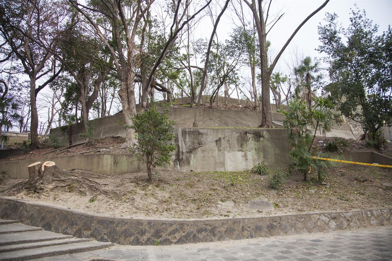 이쿠타마 지허벙커 입구로 추정되는 곳
