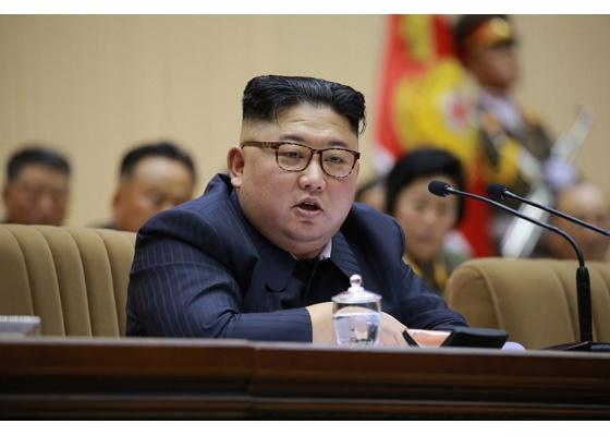 김정은 위원장 김정은 위원장이 제5차 중대장·중대원정치지도원 대회를 주재했다.