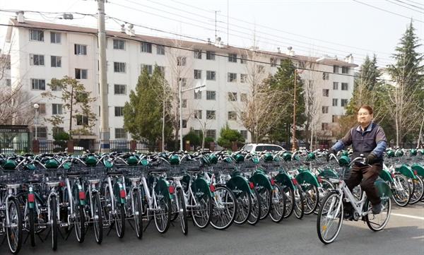 과속방지 알람 시스템이 장착된 경남 창원시의 신형 '누비자' 자전거.