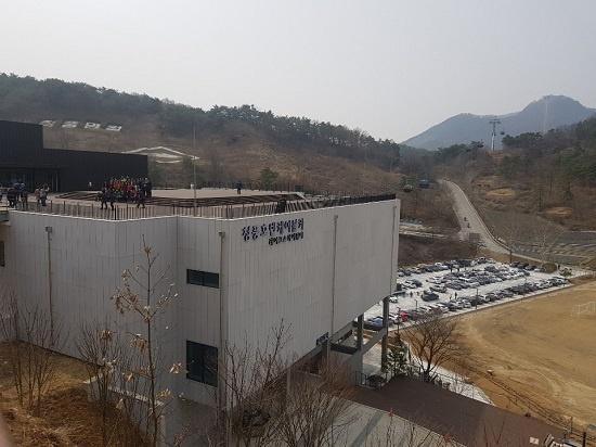'청풍호반 케이블카' 하부 정류장인 물태리역, 이곳 3층에서 캐빈을 탑승할 수 있다.