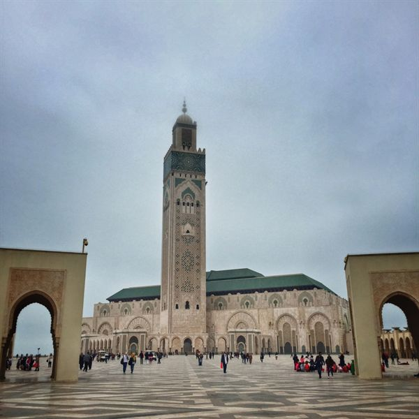카사블랑카 해변의 하산 2세 모스크