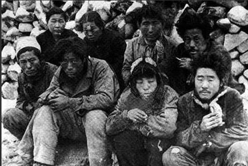 제주 4·3 당시 처형을 기다리는 사람들.