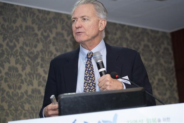 마티야스 콘돌프 미국 버클리대학교 교수(G. Mathias Kondolf) 가 지난 3월 27일 서울에서 열린 '우리 강 자연성 회복을 위한 국제 심포지엄'에 참석했다.