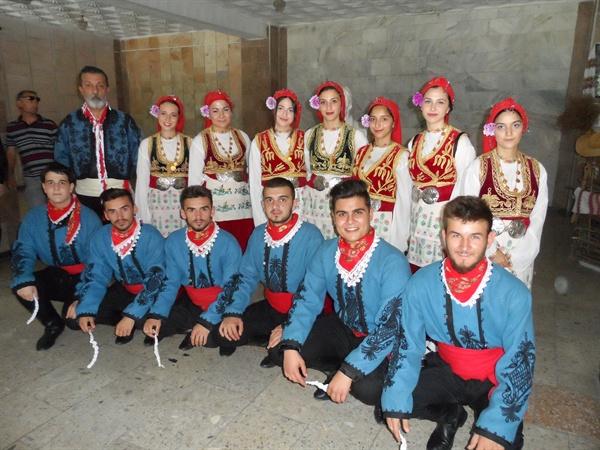 터키 포크댄스.