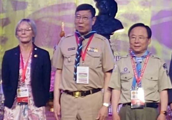 지난 해 11월 스카우트 관련 국제행사에 스카우트 복을 입고 참석한 이주영 국회부의장.(맨 오른쪽)