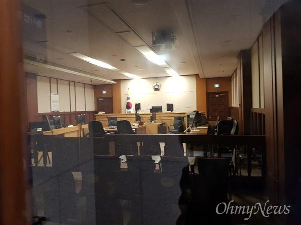 지난 3월 26일 재판을 받으러온 박씨가 서있던 광주지방법원 법정.
