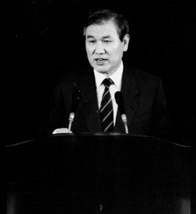 노태우 대통령. 사진은 1989년 9월 국회에서 '한민족공동체통일방안'을 발표하고 있는 모습.
