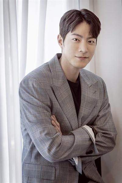 홍종현 영화 <다시, 봄>에서 호민 역을 맡은 배우 홍종현.
