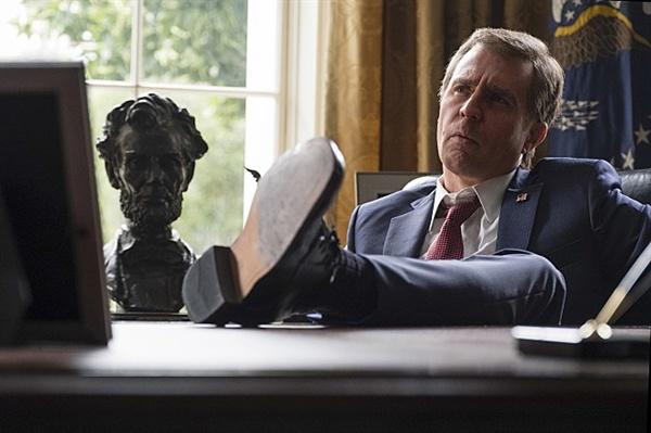 <바이스> 속의 조지 부시 대통령(샘 록웰 분).