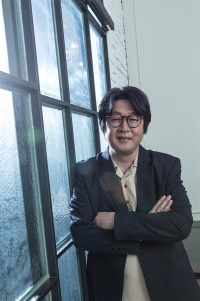 김윤석 감독.