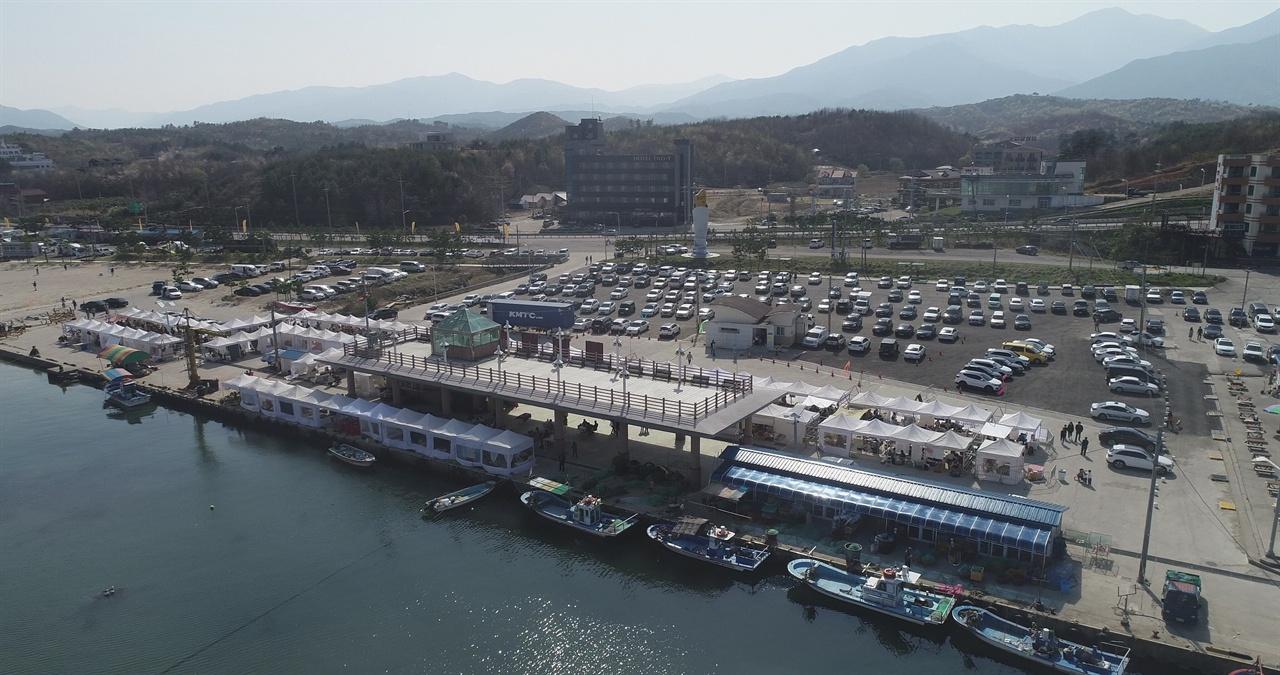 양양비치마켓 마켓이 열리는 설악해변 후진항