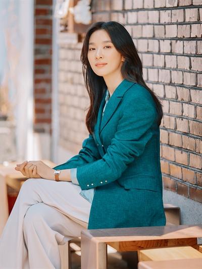 이청아 영화 <다시, 봄>에서 주인공 은조 역을 맡은 배우 이청아의 인터뷰가 16일 오전 서울 삼청동의 한 카페에서 열렸다.