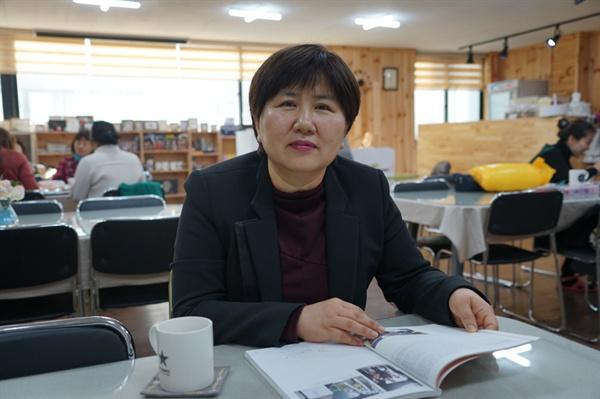 """김미경 사무국장은 """"내 아이가 이웃의 아동청소년들과 함께 어울려 살아가도록 건강한 사회를 뒷받침하는 역할은 바로 엄마의 몫이다""""라고 말했다."""
