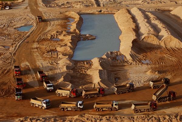 4대강사업 당시 금강의 파헤쳐진 모습