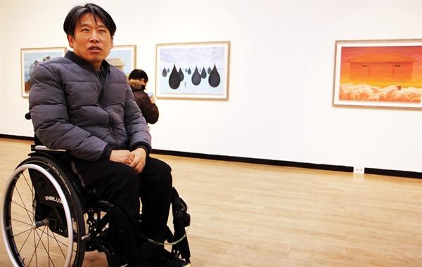2019년 2월 13일~19일까지 경인미술관에서 'into'라는 제목으로 개인전을 연 박야일 작가.