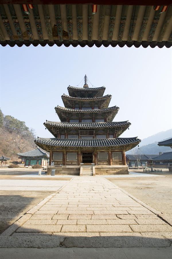 법주사 팔상전(국보 제 55호) 우리나라 유일한 목조탑