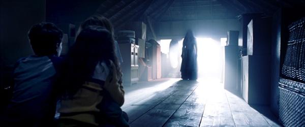 영화 < 요로나의 저주 >의 한 장면