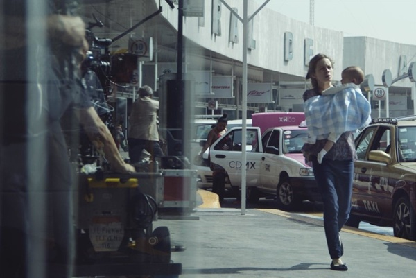 영화 <에이프릴의 딸>의 한 장면.