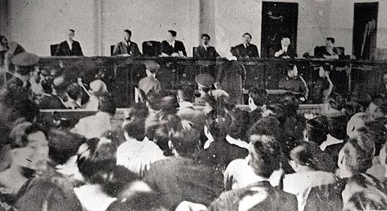 1949년 열린 반민특위 공판 모습.